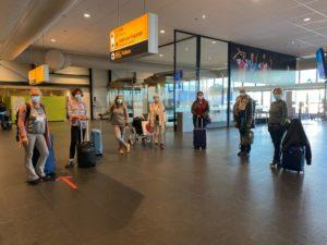 de cursusgroep maakt zich na een week energetisch los van elkaar op Rdam Airport